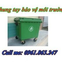 xe gom đẩy rác 1