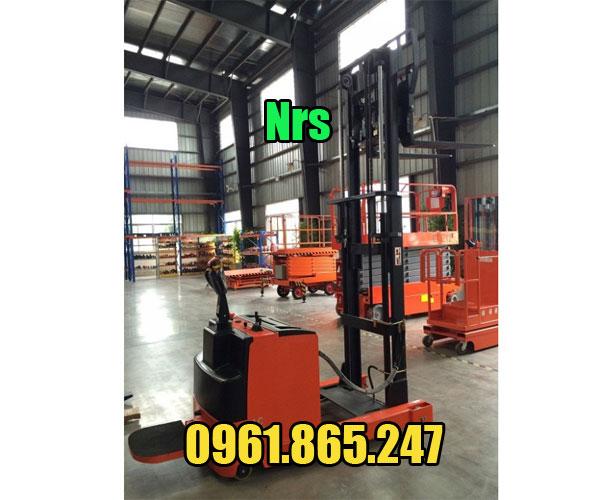 Xe nâng điện đứng lái 1.5 tấn NRS